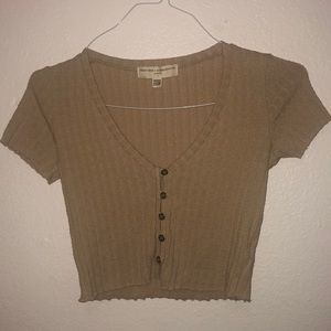 Urban outfitters crop top!! Kaki and super soft!